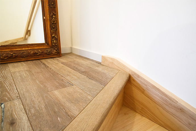Pose d'un parquet contre-collé sur escalier